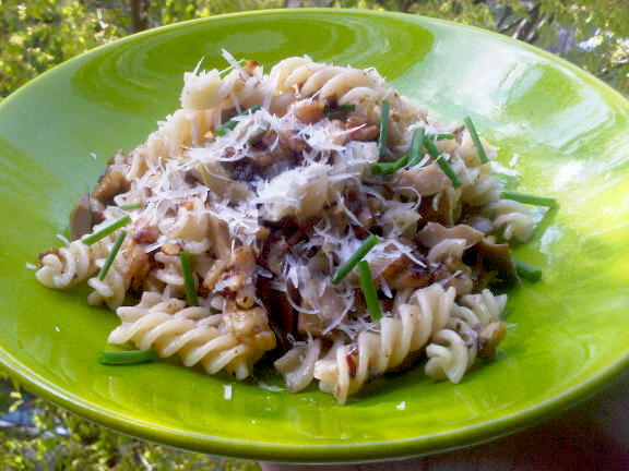 Pasta with Walnuts and Olives